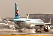 HL7530 - Korean Air Boeing 777-200ER aircraft