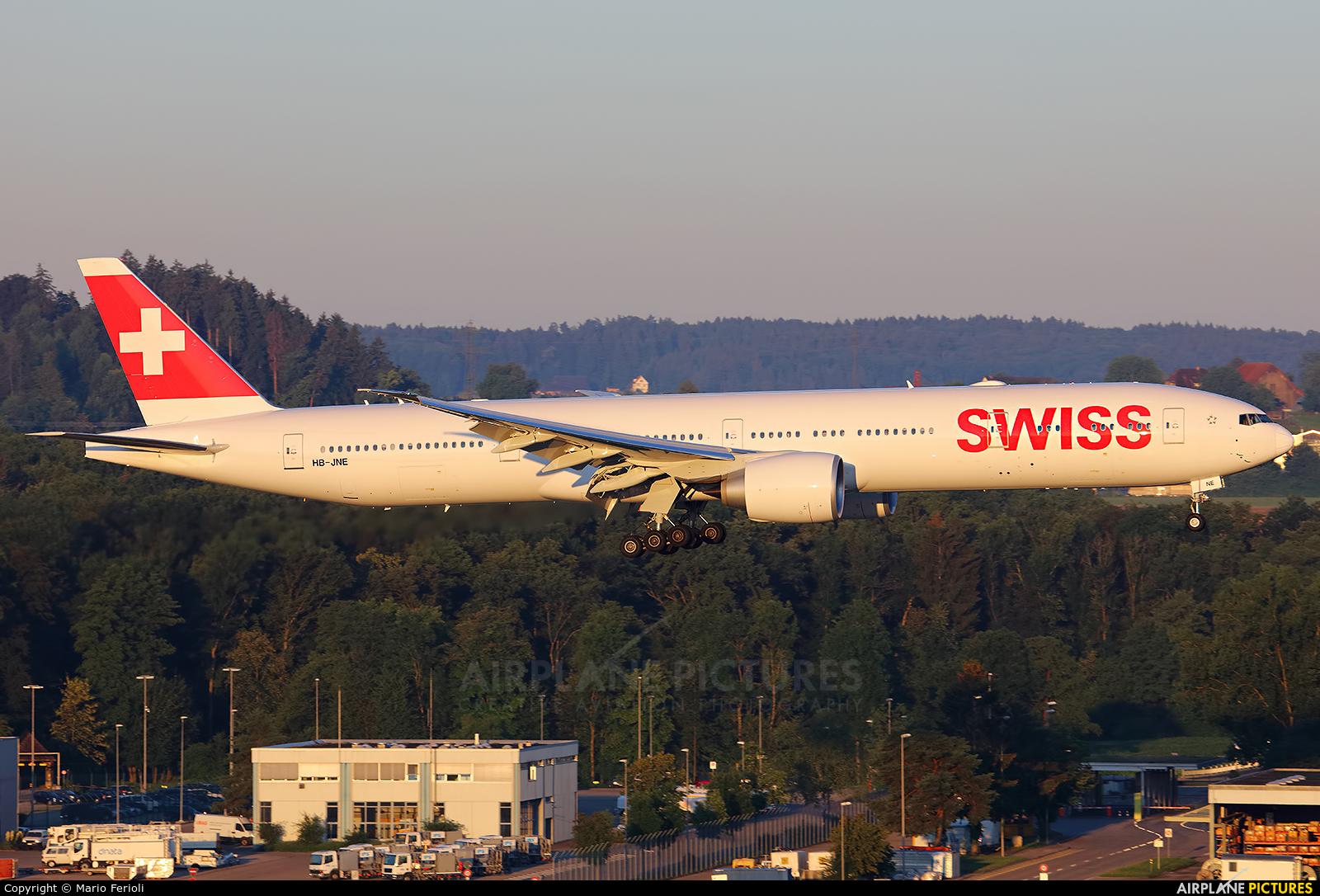 Swiss HB-JNE aircraft at Zurich