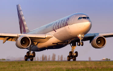 A7-AED - Qatar Airways Airbus A330-300