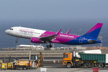 HA-LYR - Wizz Air Airbus A320