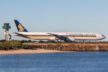 9V-SNC - Singapore Airlines Boeing 777-31H(ER)
