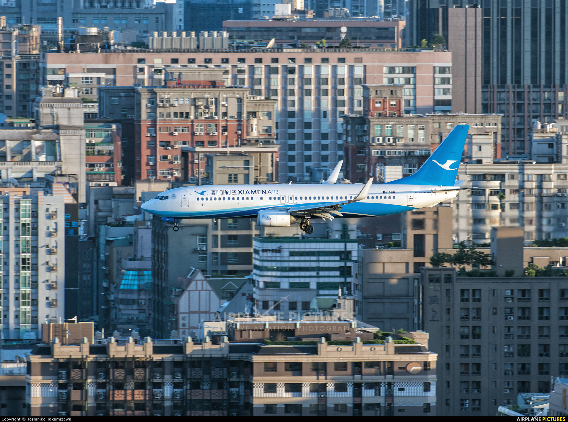 Xiamen Airlines B-1966 aircraft at Taipei Sung Shan/Songshan Airport