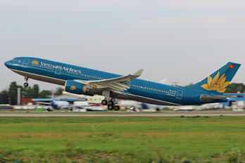 VN-A379 - Vietnam Airlines Airbus A330-200