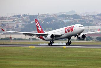PT-MVD - TAM Airbus A330-200