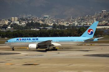 HL7575 - Korean Air Boeing 777-200ER