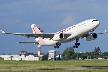 TS-IFM - Tunisair Airbus A330-243