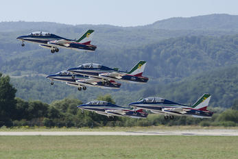 """MM55052 - Italy - Air Force """"Frecce Tricolori"""" Aermacchi MB-339-A/PAN"""