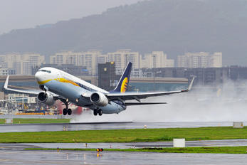 VT-JFE - Jet Airways Boeing 737-800