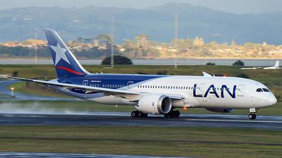 CC-BBG - LAN Airlines Boeing 787-8 Dreamliner