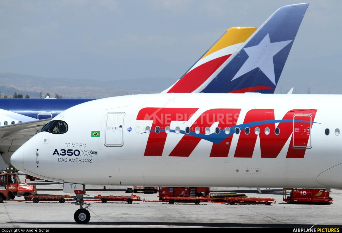 TAM PR-XTA aircraft at Madrid - Barajas