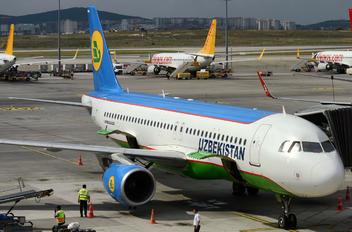 UK32015 - Uzbekistan Airways Airbus A320