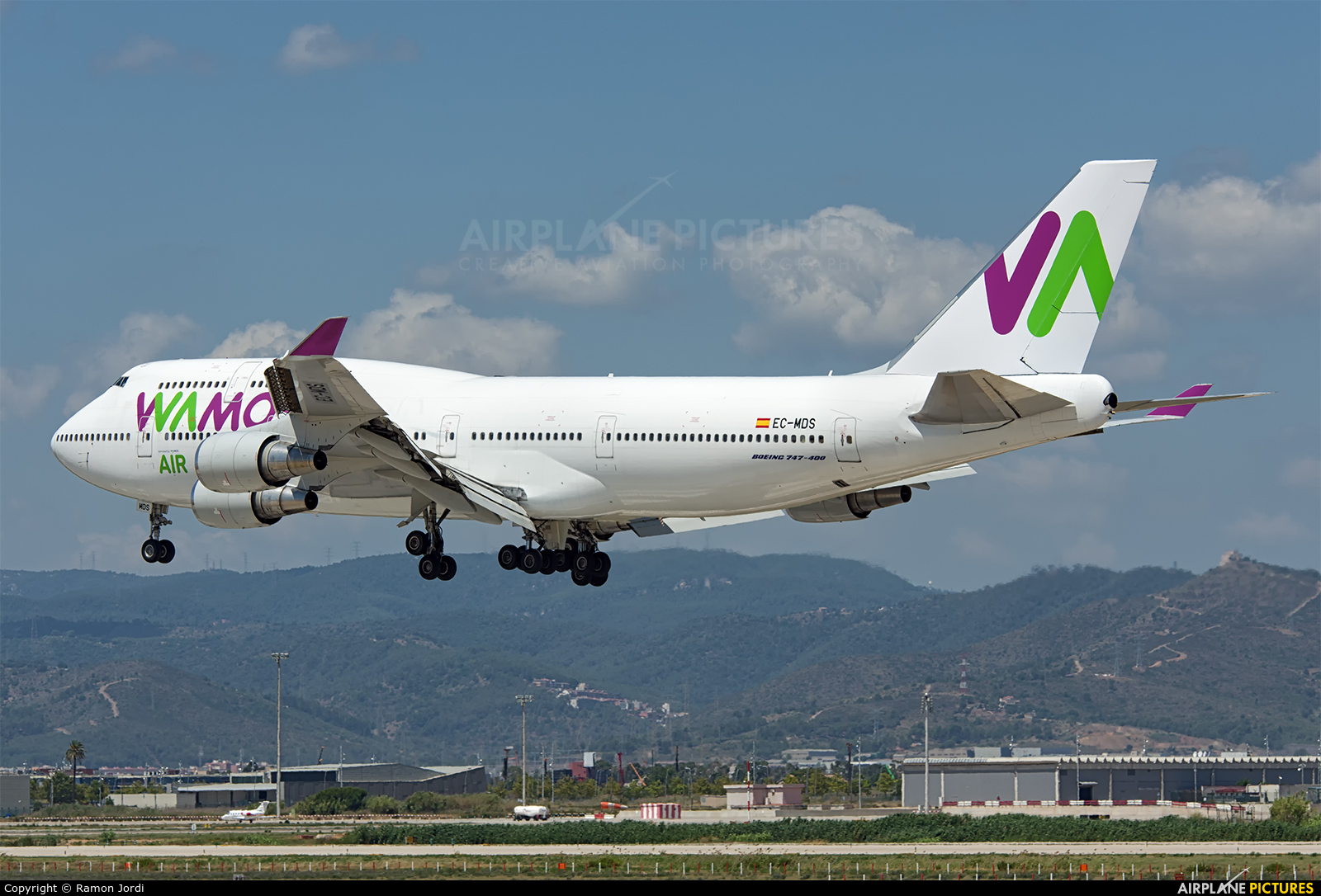 Wamos Air EC-MDS aircraft at Barcelona - El Prat