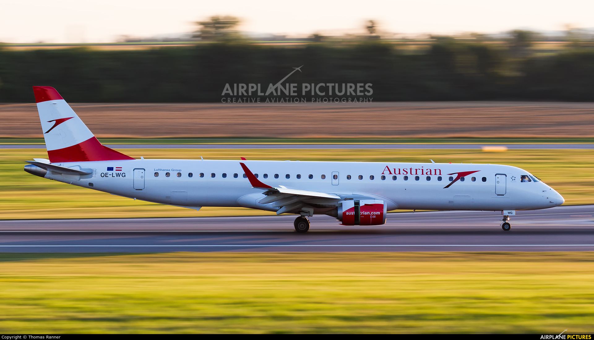 Austrian Airlines/Arrows/Tyrolean OE-LWG aircraft at Vienna - Schwechat