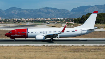 LN-NGQ - Norwegian Air Shuttle Boeing 737-800