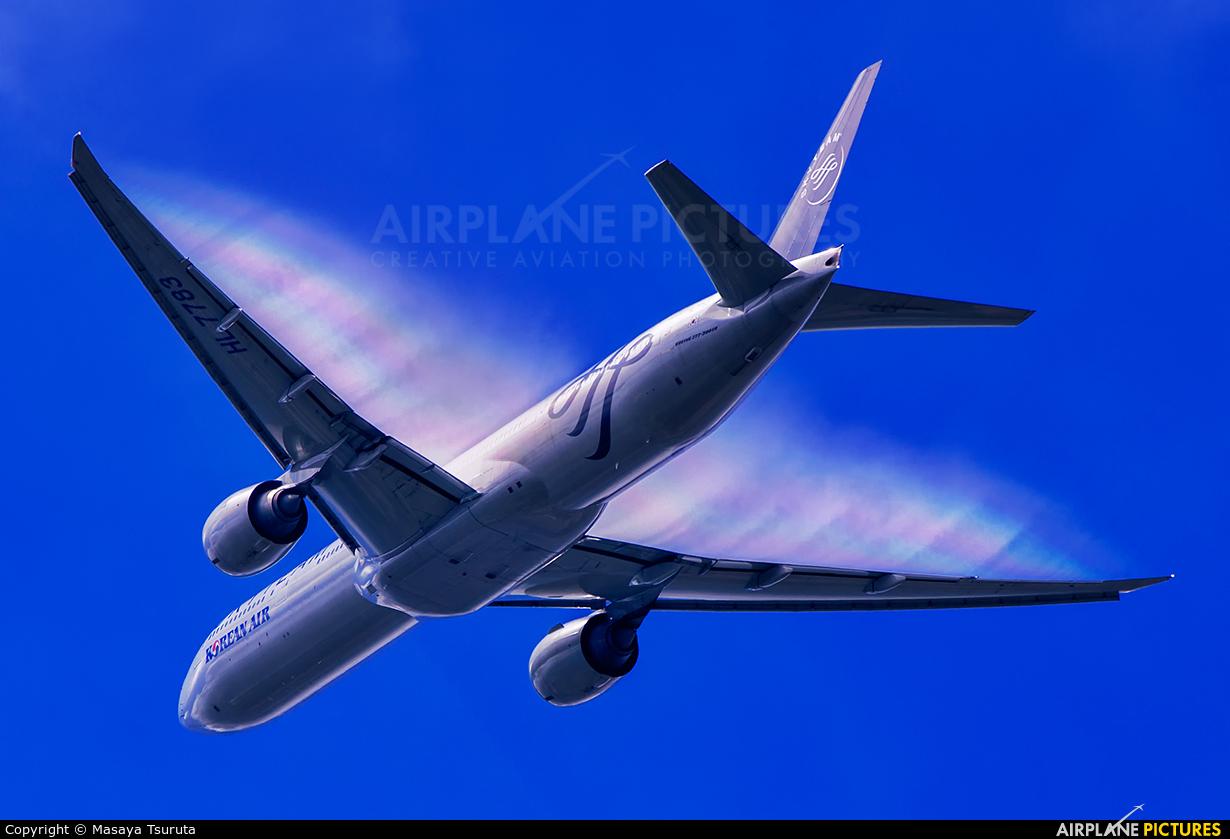 Korean Air HL7783 aircraft at Tokyo - Narita Intl