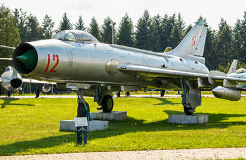 12 - Poland - Air Force Sukhoi Su-7BKL