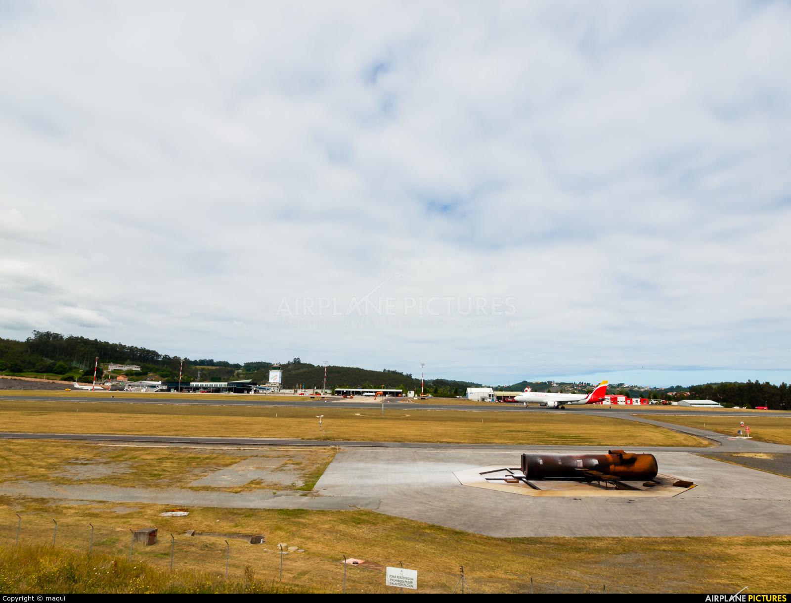 Iberia EC-LUL aircraft at La Coruña