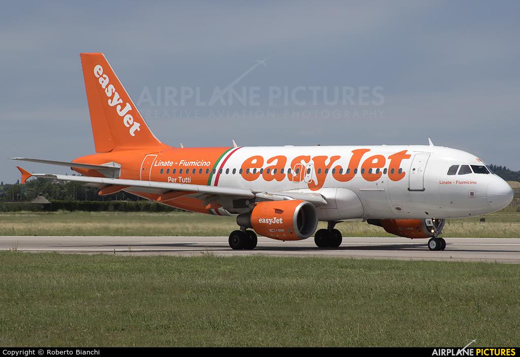easyJet G-EZIW aircraft at Verona - Villafranca
