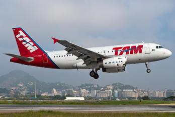 PT-TMF - TAM Airbus A319