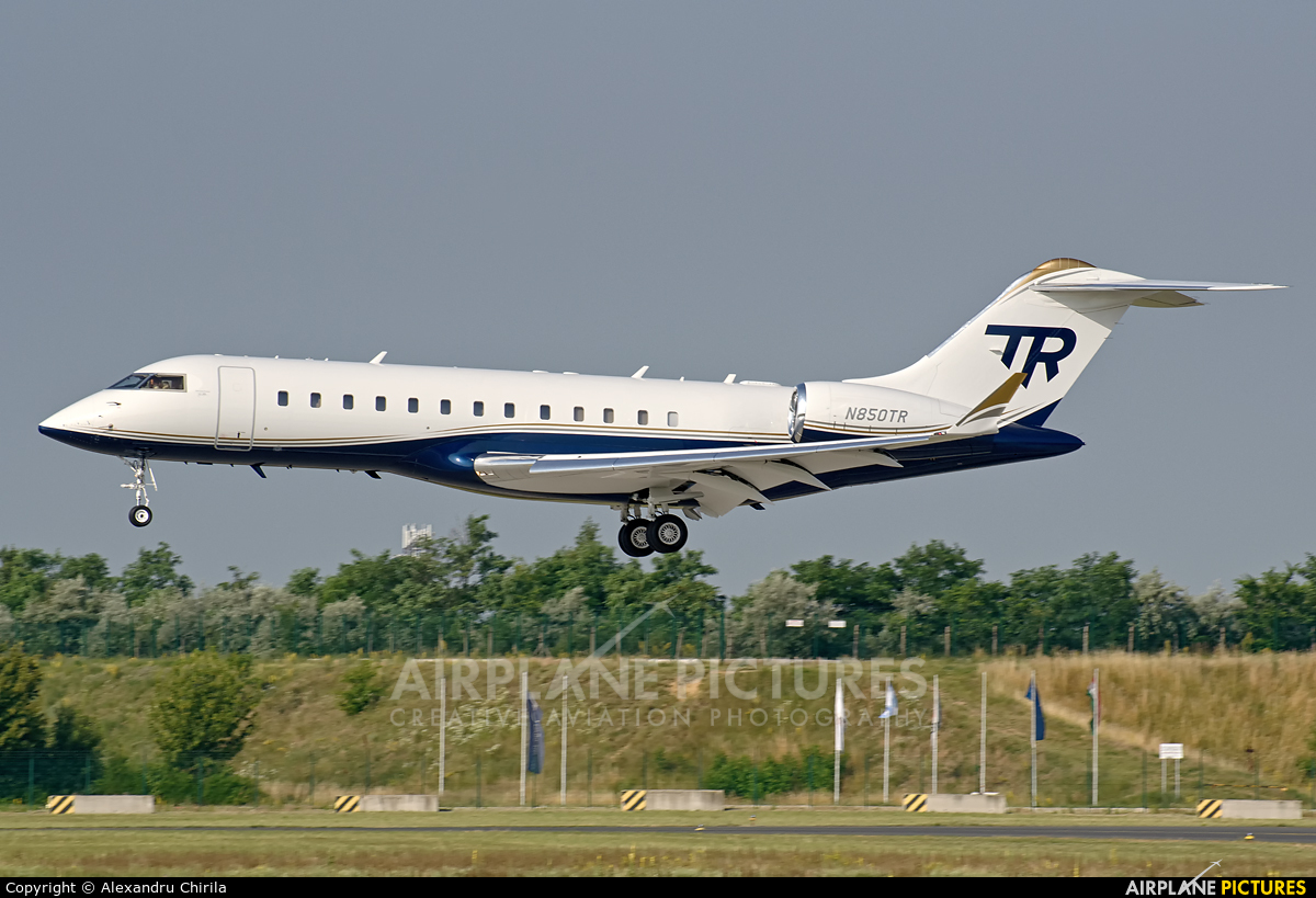 N850TR  Private Bombardier BD700 Global Express At Budapest  Ferihegy  Ph