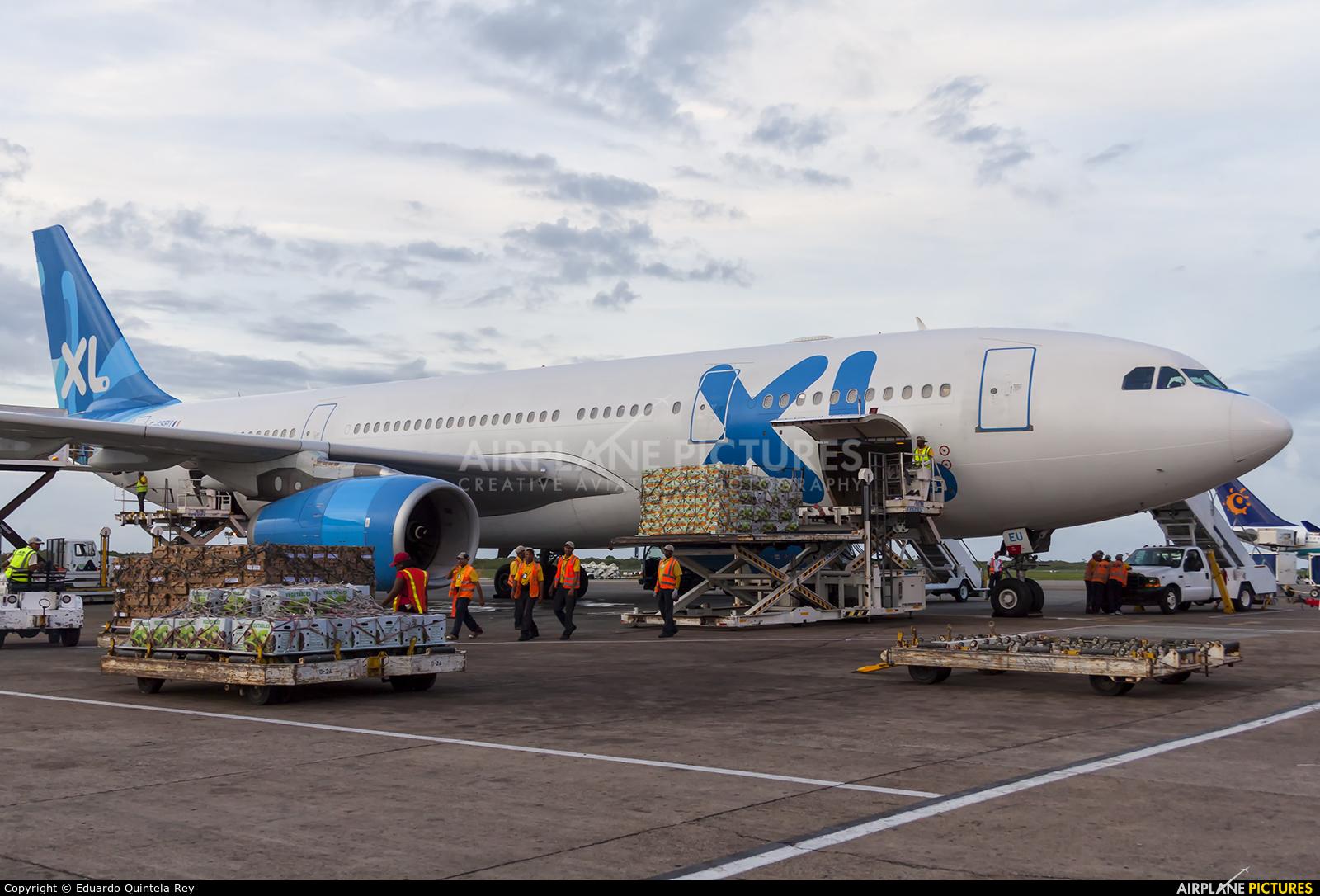 F gseu xl airways france airbus a330 200 at punta cana for Airbus a330 xl airways interieur