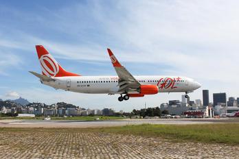 PR-GXW - GOL Transportes Aéreos  Boeing 737-800