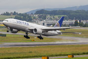 N220UA - United Airlines Boeing 777-200ER aircraft