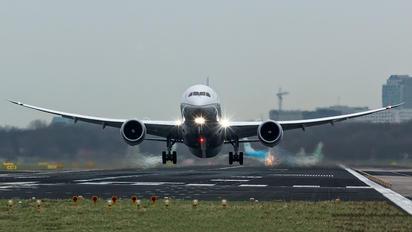 N38955 - United Airlines Boeing 787-9 Dreamliner