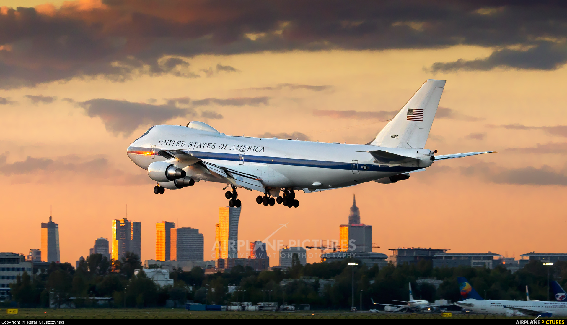 75 0125 usa air force boeing e 4b at warsaw frederic chopin