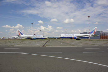 - - Transaero Airlines - Airport Overview - Runway, Taxiway