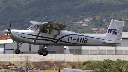 TI-ANB - Private Cessna 172 RG Skyhawk / Cutlass