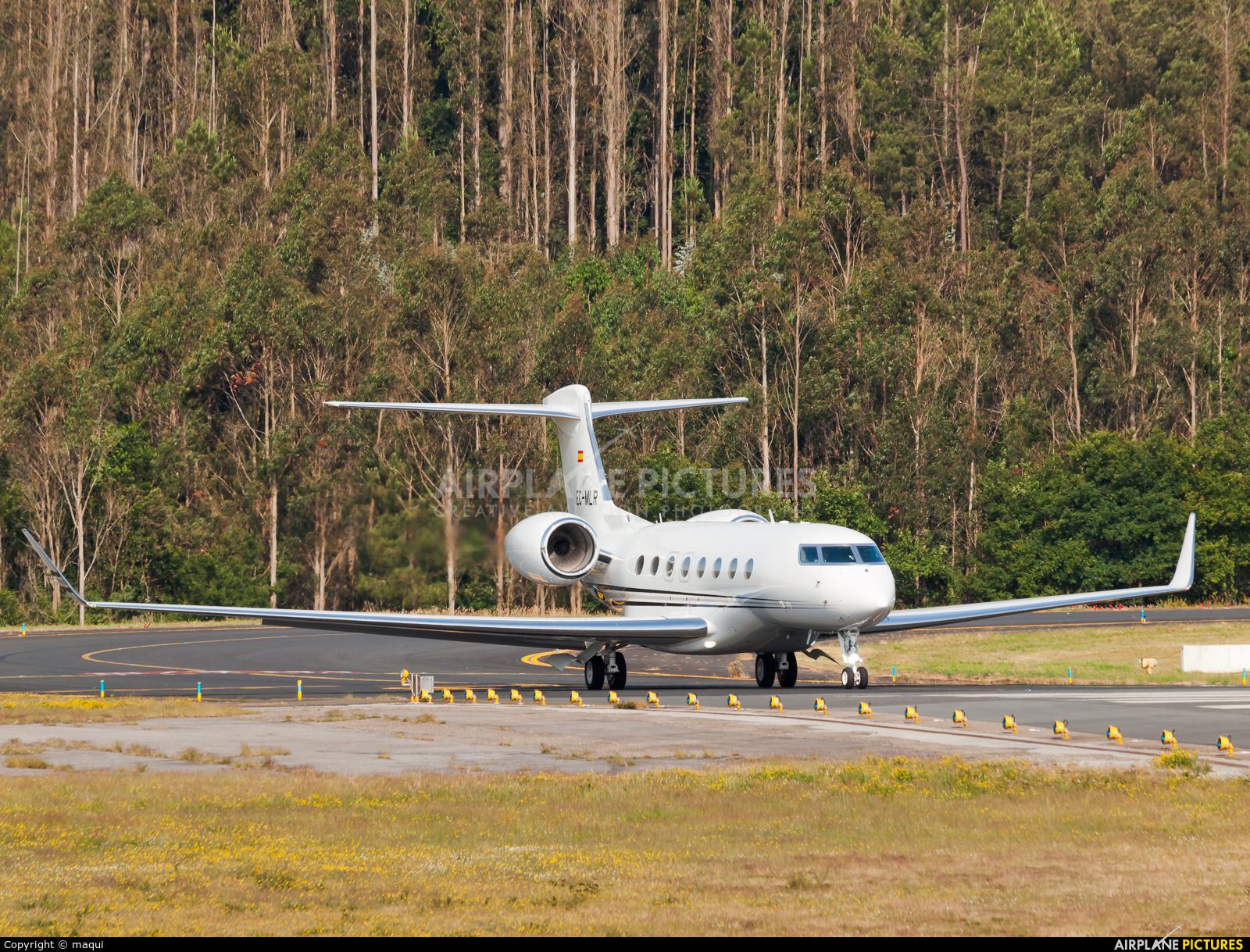 TAG Aviation EC-MLR aircraft at Santiago de Compostela