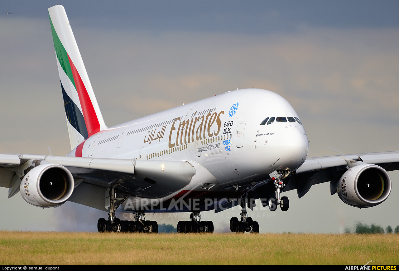 Emirates Airlines A6-EDV aircraft at Paris - Charles de Gaulle