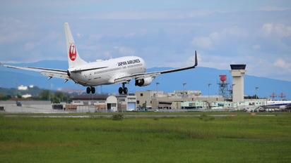 JA324J - JAL - Express Boeing 737-800