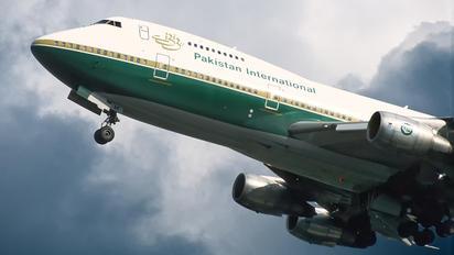 AP-BAK - PIA - Pakistan International Airlines Boeing 747-200