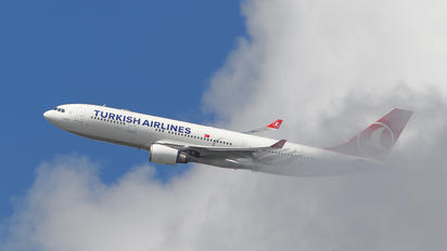 TC-JNE - Turkish Airlines Airbus A330-200