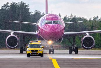 HA-LYM - Wizz Air Airbus A320
