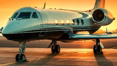 N551CB - Private Gulfstream Aerospace G-IV,  G-IV-SP, G-IV-X, G300, G350, G400, G450
