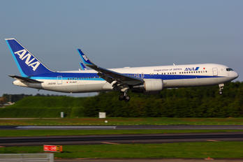 JA625A - ANA - All Nippon Airways Boeing 767-300ER