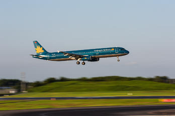 VN-A610 - Vietnam Airlines Airbus A321