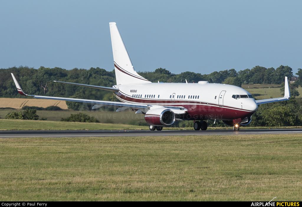 Private N800KS aircraft at London - Luton