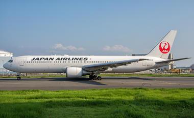 JA601J - JAL - Japan Airlines Boeing 767-300ER