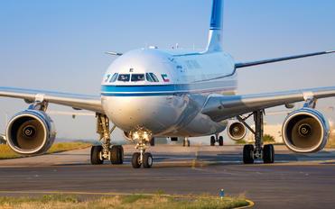 9K-APE - Kuwait Airways Airbus A330-200