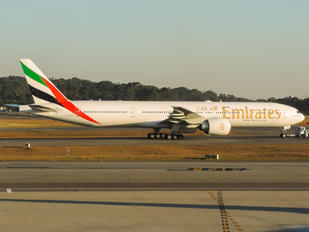 A6-ECD - Emirates Airlines Boeing 777-300ER