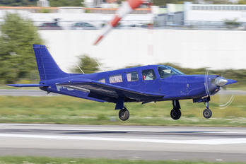 F-GVCL - Private Piper PA-32 Cherokee Lance