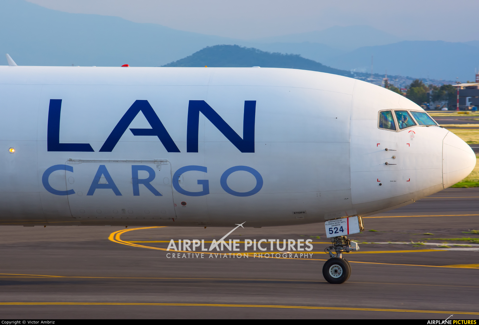 LAN Cargo N524LA aircraft at Mexico City - Licenciado Benito Juarez Intl
