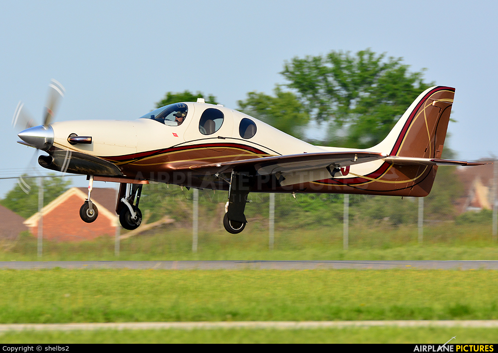 Private N38TJ aircraft at Indianapolis Metropolitan Airport