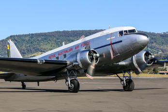 VH-EAF - Private Douglas C-47 Dakota 4