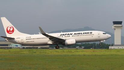 JA316J - JAL - Express Boeing 737-800