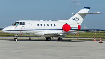 I-PZZR - Private Hawker Beechcraft 900XP